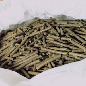 Hemp seed cake pellets
